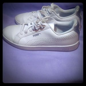 Women puma shoes
